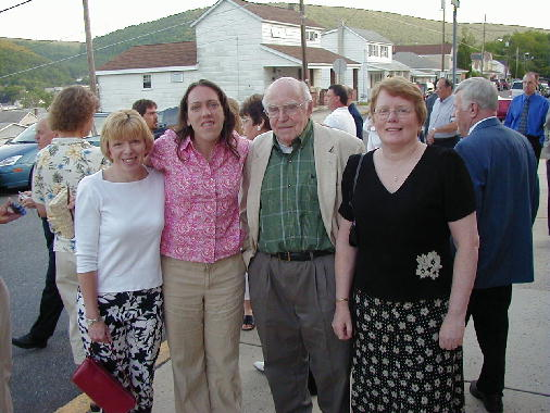 Mil, Annie, Pop Pop Pop and Grammie